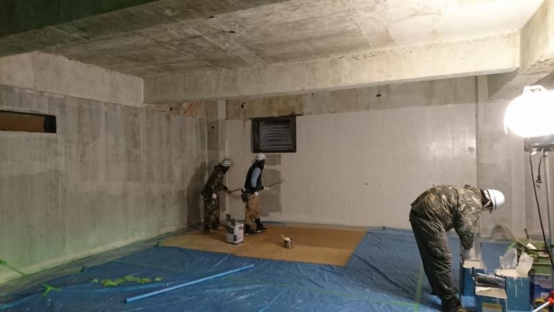 マルカン大食堂の工事状況2(壁塗装)