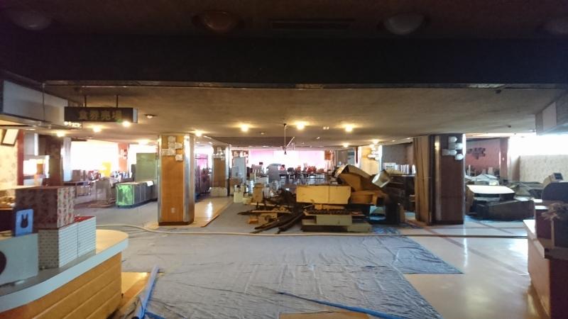 工事中のマルカン大食堂の客席1(入口付近)